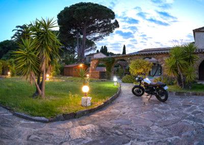 moto - extérieur - l'hacienda